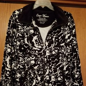 Onque Woman brand, 2x, black & white, jacket